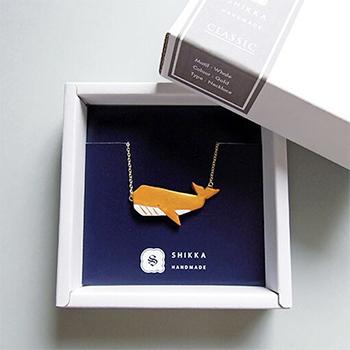 SHIKKAのネックレス。クジラ。