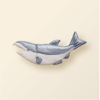 SHIKKA北海道の動物シリーズ。鮭シルバーのブローチ。