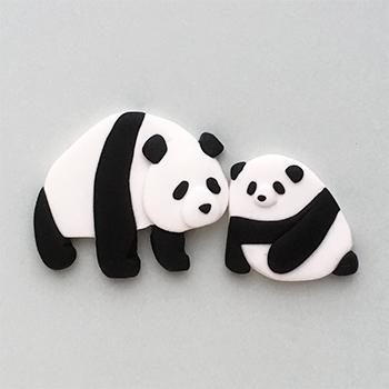 SHIKKAのブローチ。パンダの親子。