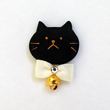 SHIKKAのブローチ。ベル猫黒。