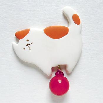 SHIKKAのブローチ。ネコ。
