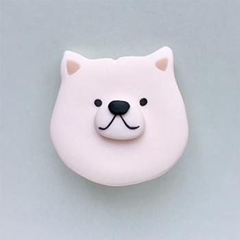 SHIKKAのブローチ。北海道犬。